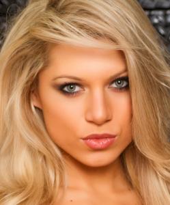 Blonde hotty